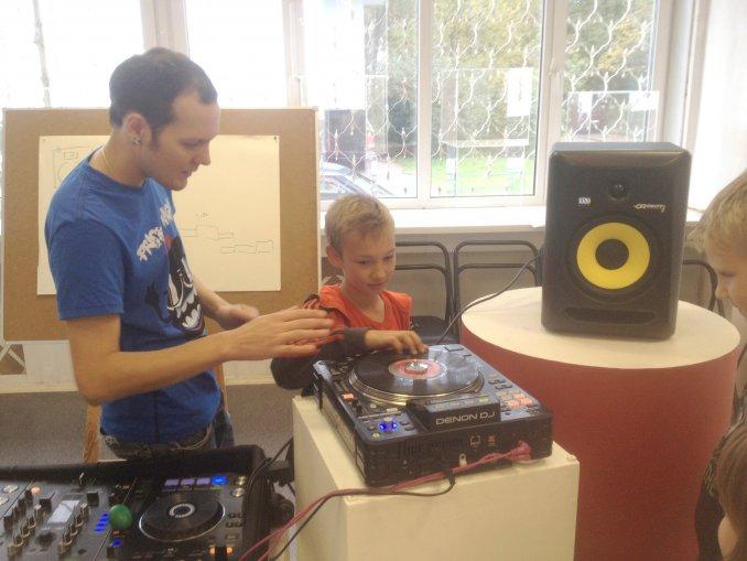 Публичный DJ-мастеркласс с обучением