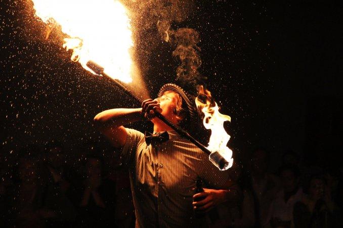 Огненное шоу плевки огнем Казань