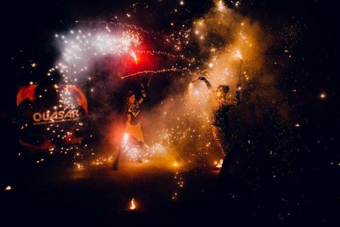 Огненно шоу Бурлеск с пиротехническим финалом