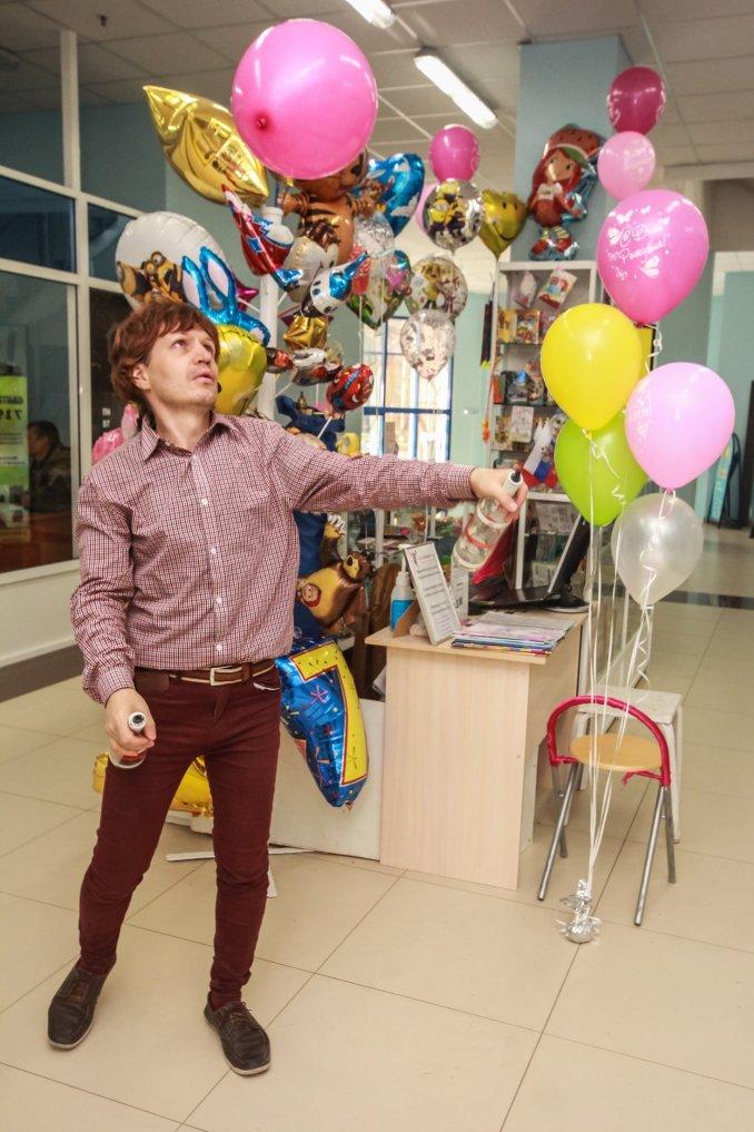 Бармен шоу с воздушным шаром
