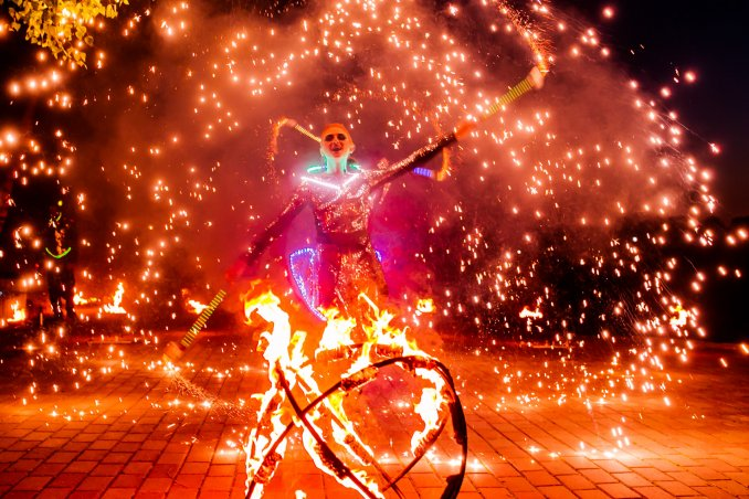 Огненное шоу Pulsar на свадьбу