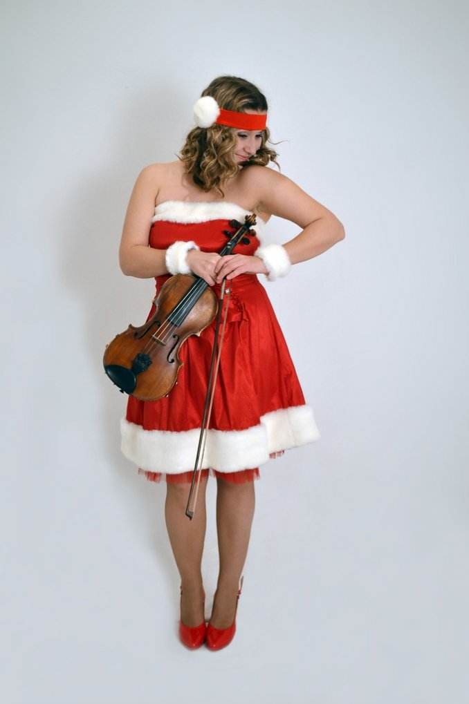 Скрипачка Екатерина Забава на праздник Тольятти