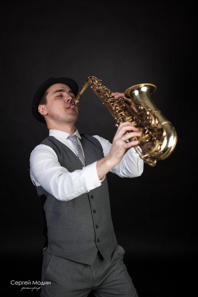 Cаксофонист Денис Беляев