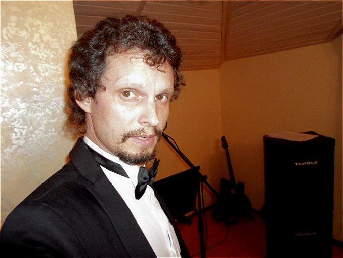 Вокалист, музыкант, диджей, ведущий, автор - исполнитель Максим Аргасцев на Ваш праздник